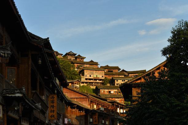 (三月三)贵州黄果树瀑布/西江苗寨/青岩古镇双动四日游